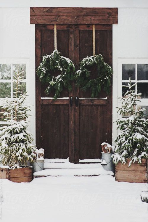 Winter decor // This is Glamorous