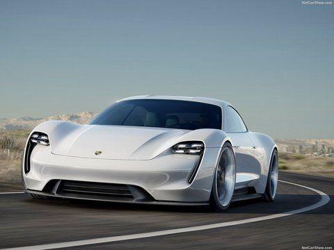 A Porsche não vai economizar no desenvolvimento de seu primeiro esportivo 100% elétrico. A montadora alemã anunciou que vai investir 1 bilhão de euros (cerca de R$ 4,1 bilhões) no novo Mission E
