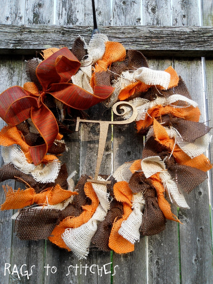 thanksgivingfall wreathMichelle with your left over burlap