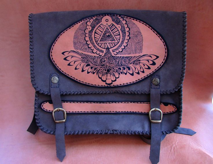 """""""Black Eagle"""" Handmade leather Bag made from two types of leather,completly by hand.The eagle painting ist made with special colours for leather #Timsparse #handmade #leather #leatherbag #art #eagle #paintingonleather #leathercraft"""