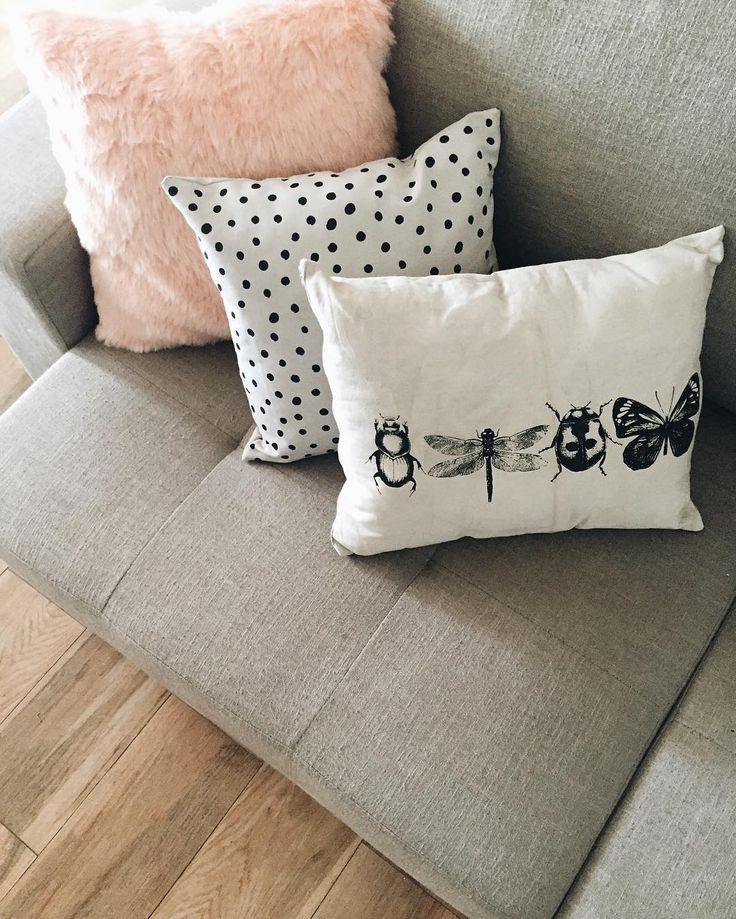 Como uma almofada nova pode fazer toda diferença? ✨ amei demais as peças da @fava.design ✨ maior capricho e cuidado com os detalhes ❤️