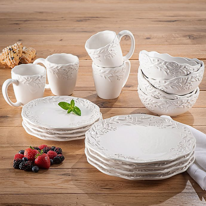 American Atelier Bianca Mistletoe 16 Piece Dinnerware Set In White Bed Bath Beyond Dinnerware Set Dinnerware Porcelain Dinnerware