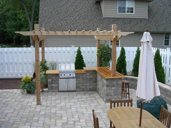 ... Image of Hypnotic Outdoor Kitchens Designs with Pergola and Finish Wood Kitchen Countertop with Split Level ...