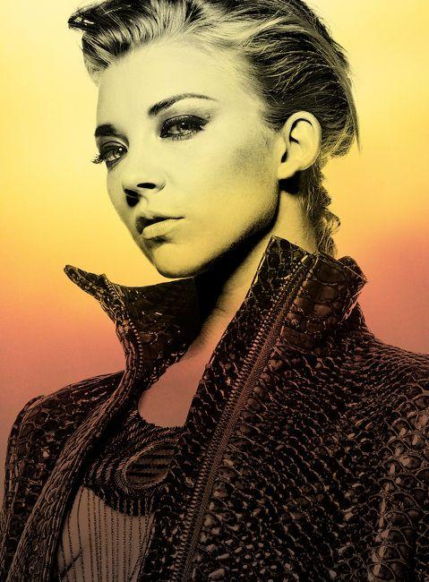 Натали Дормер в образе роковой красавицы. Источник указан в разделе сайт. в источнике интересная статья про воплощение разными актрисами образа Ирэн Адлер