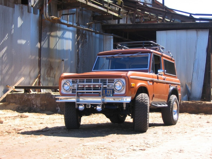 Gotta Love An Early Bronco That Roof Rack Too