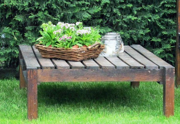 Mesa hecha con palets por Jardines y Rincones Paisajismo