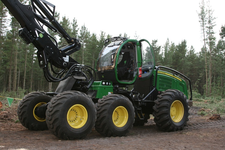 John Deere 1470E Wheeled Harvester with H290 Harvesting Head | AUSTimber 2012 | Hitachi Construction Machinery Australia