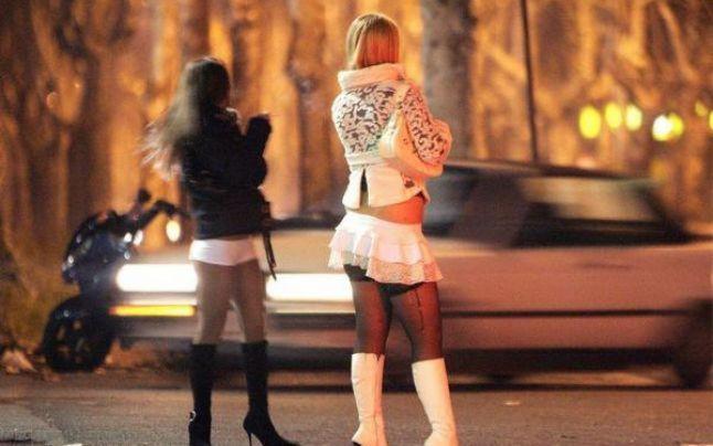 Zece ani de închisoare pentru trafic de minore. Tinere din România, racolate şi obligate să se prostitueze în Spania
