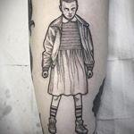 """Circa un anno fa ha fatto parlare di sé con un tatuaggio nelle """"parti basse"""", ma i tatuaggi di Borriello più noti sono senz'altro i tattoo tribali che ha su petto e polpaccio. Vediamo insieme quali sono i tatuaggi di Marco Borriello!"""