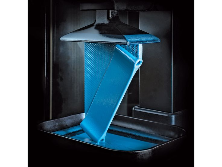 This Company Does 3D Printing at a Speed No One Else Can Match Carbon has collected $140 million in three years to develop its superfast $40,000-a-year 3D printer. l This 5mm-thick, flexible polyurethane test part can withstand hammer strikes without deforming or breaking.