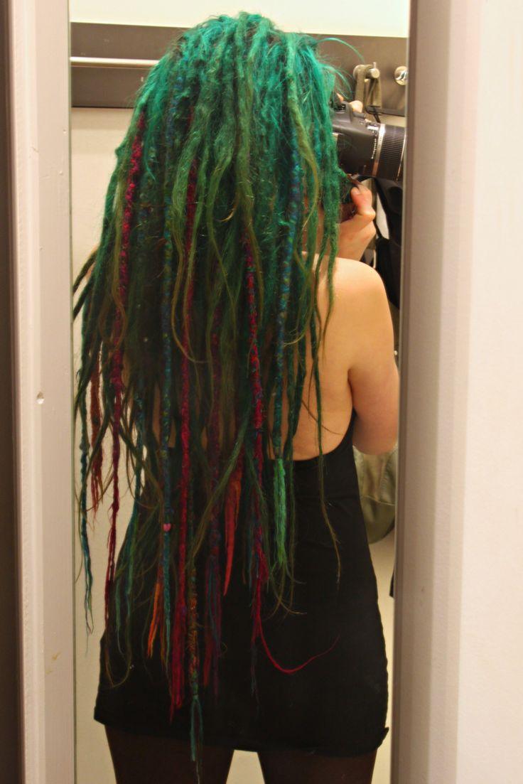 Super long green and red dreads...Blue Dreads, Long Dreads, Dreadlocks Hairstyles, Mermaid Hair, Colors Combinations, Red Green, Green Dreads, Dreads Locks, Blue Dreadlocks