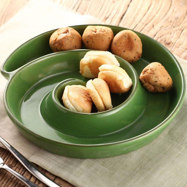 Düzensiz şekilli yeşil dairesel plaka yaratıcı seramik plato aperatif tepsisi Japon suşi çanak kurutulmuş meyve Regle tatlı tabağı