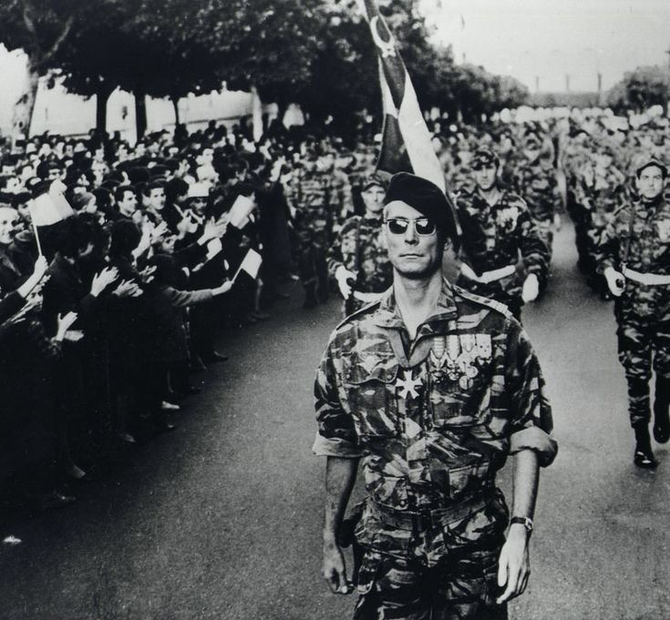 The Battle of Algiers tells the story of the life-and-death struggle between the French colonial government of Algeria and the Algerian Liberation Front.