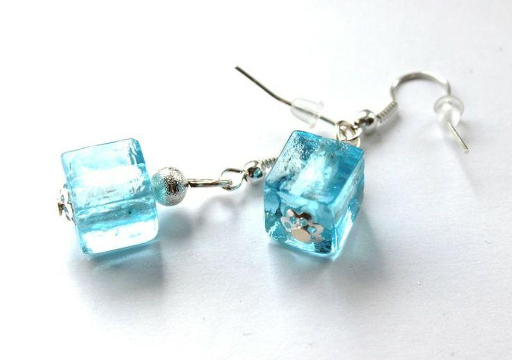 Kolczyki-kostki z błękitnego szkła weneckiego w Especially for You! na http://pl.dawanda.com/shop/slicznieilirycznie  #kolczyki #earrings  #handmade #DaWanda #szkło #glass