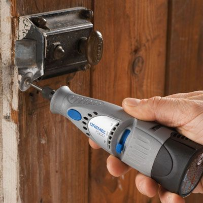 Using the Dremel 7300 MiniMite Rotary Tool http://rotarytoolsguide.com/dremel-7300-minimite-cordless-rotary-tool-review/
