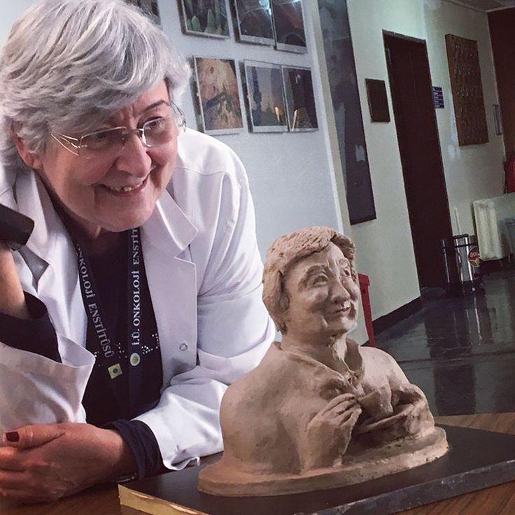 Prof. Dr. Fatma Canan ALATLI Hocamızla Görsel Sanatlar Kulübü Kil heykel standı #Final #Work :))��������⚕️����⚕️����⚕️����⚕️ #artistic #artsy #artstudio #personal #art #sanat #arts #designs #colors #illustration #workart #creative #individual #dentist #dentists #clay #claymodeling #claydesign #sculpture http://turkrazzi.com/ipost/1515270615770050188/?code=BUHUpjHj66M