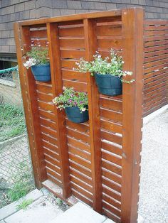 Privacy trellis. Need this for my deck!