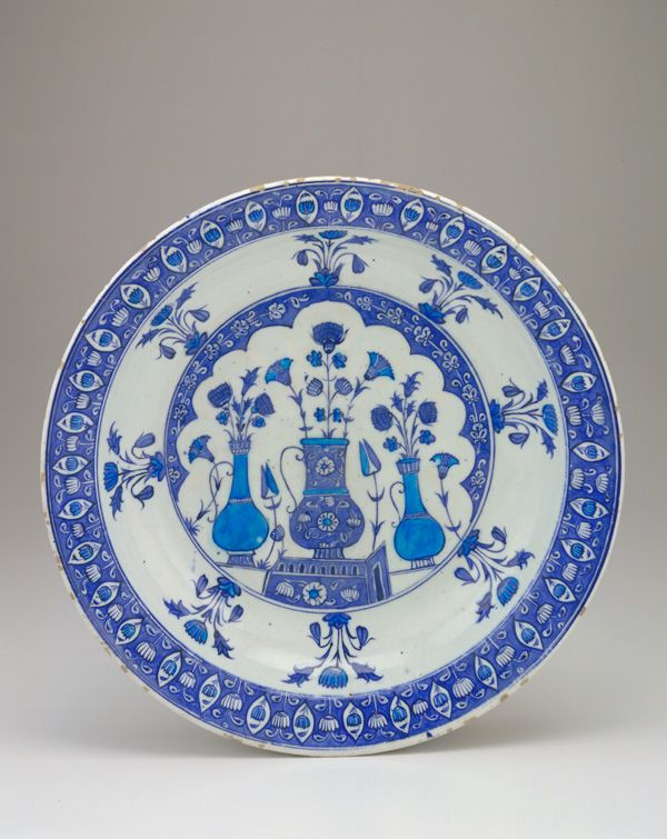 Plate 1525-1535  Ottoman period  Stone-paste body painted under glaze H: 6.8 W: 37.6 cm Iznik, Turkey  F1955.8