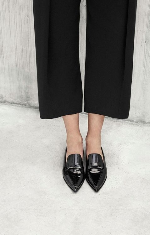 Comfortable and chic look for Paris - wide trousers and patent black loafers / the love assembly