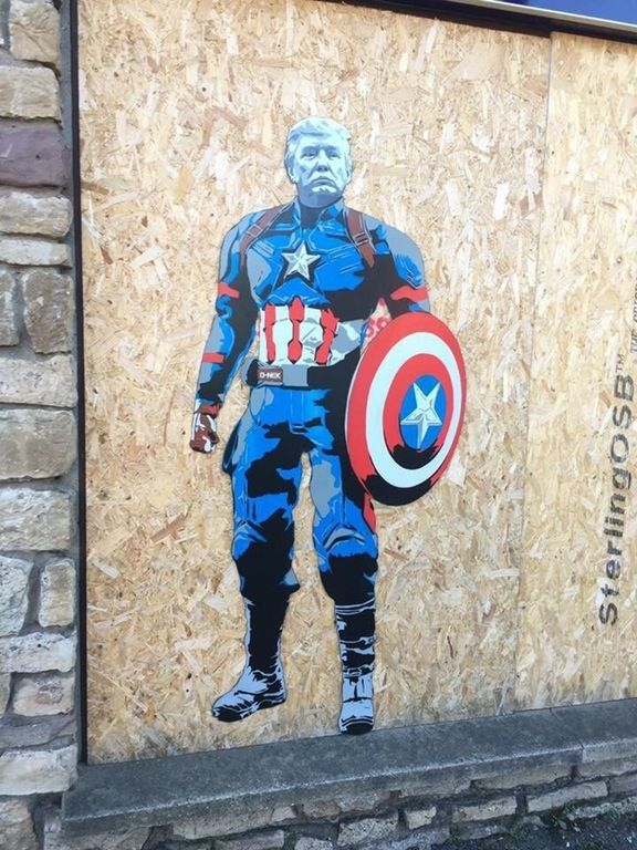 Trump appears in the English town of Portishead (Somerset) 20th January 2017 : streetart