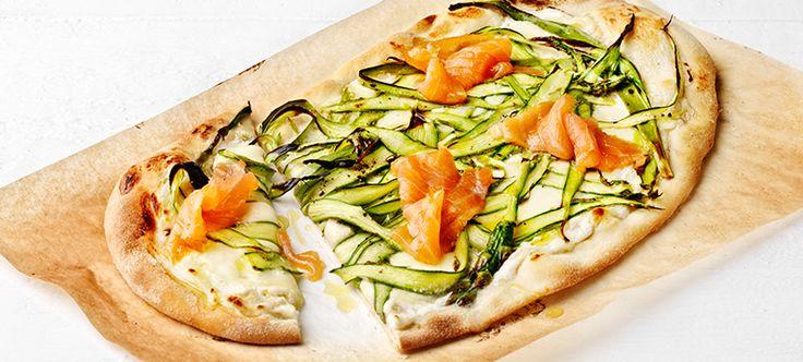 Parsapizza, piparjuuricreme ja kylmäsavulohi   Pääruoat   Reseptit   Reseptit ja menut   Stockmann.com