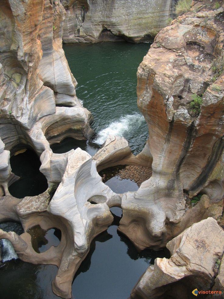 Les Marmites de Géant - Saint-Germain-de-Joux. Haute-Savoie