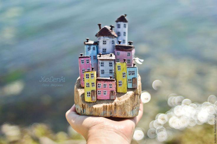 Купить или заказать Морская композиция 'Чинкве-Терре' driftwood в интернет-магазине на Ярмарке Мастеров.…