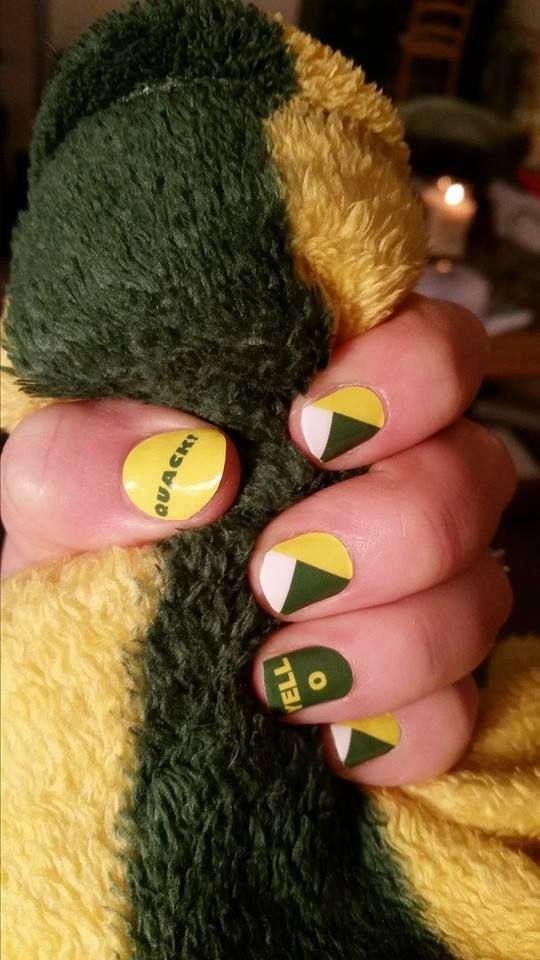 Oregon Duck Jamberry Nail Wraps!! If you would like your nails to support your team email me! ducttapeprincess@live.com