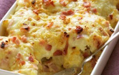 Formaggio al cavolfiore e bacon - Ricetta per il formaggio veloce al cavolfiore e bacon, una ricetta cremosa e filante, da preparare in meno di mezz'ora.