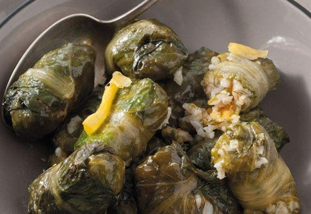 Ντολμάδες με μαρούλι και μπακαλιάρο | YODA Online Supermarket | www.yoda.gr