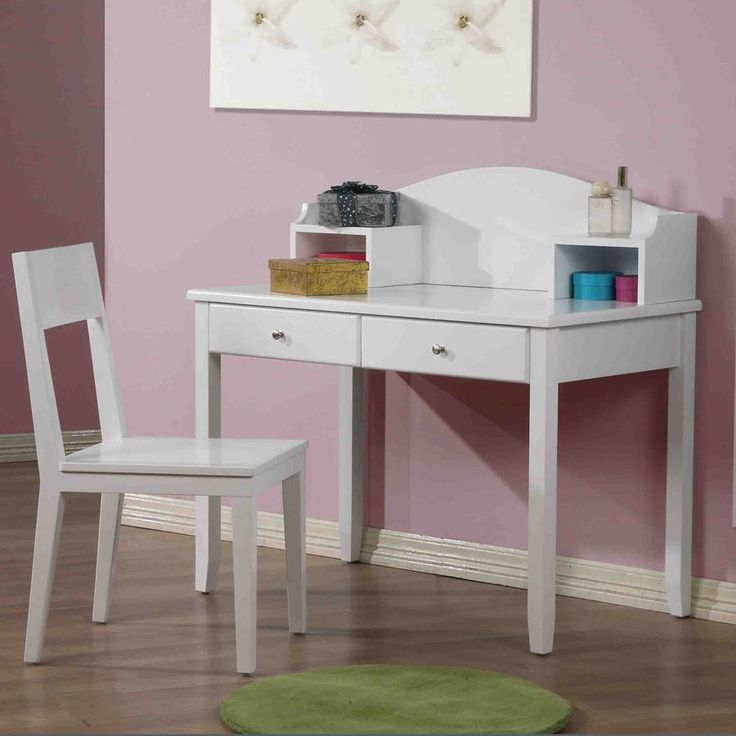Hickory Children's Dressing & Writing Table