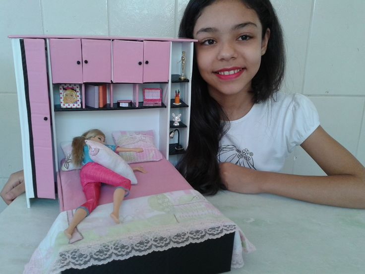Cama de casal com armario para barbie
