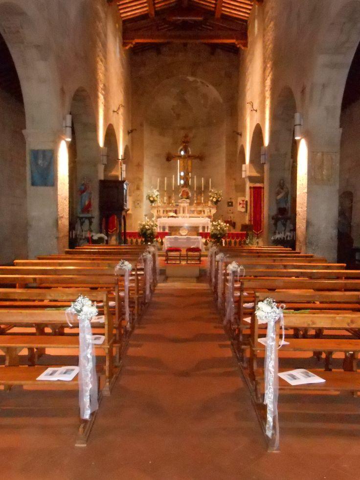 matrimonio: addobbo interno chiesa della Pieve di San Donato