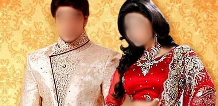 """Boutique de prêt à porter. Indianfashion vous propose un large choix de vêtements indo-pakistannais pour femmes (sarees, shuridairs, salwars kameez, burka), enfants mais également pour hommes, des bijoux fantaisie, des bindis et des sacs à prix """"intéressants""""."""