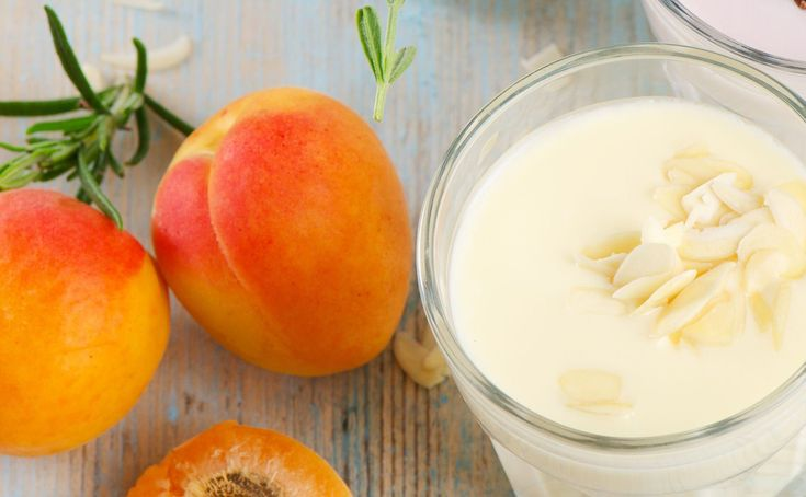 apricots and almonds smoothie