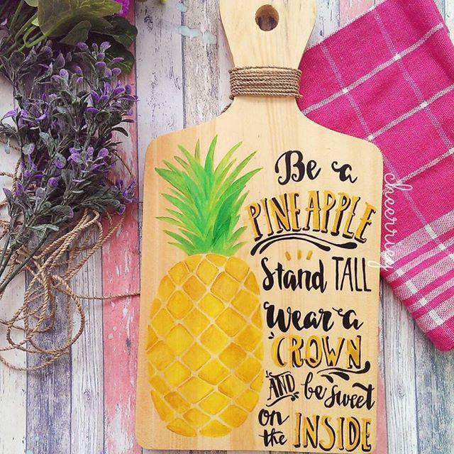 Available now!! Fruit quote series 🍍, ga perlu khawatir luntur atau kotor karena sudah di lapisi clear glossy,  tinggal di lap saja kalau kotor/berdebu😊 Minat? Kontak bio langsung 😘  #wallart #walldecor #talenanlukis #talenan #pajanganrumah #hiasandinding #pajangancafe #dekorkafe #fotoprops #dekorasi #hiasan #kado #kadounik #painting #illustragram #illustration #woodart #quoteart #handmade #fruitquote #drawing #doodling #artofinstagram #artwork