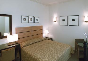 PORTFOLIO STUDIO SIMONETTI: room@Hotel Ambasciatori, Rimini, architectural project of interiors (credits Luca Gambuti) #hotelroom #hotelproject