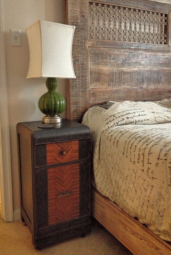 Best 25 rustic nightstand ideas on pinterest diy for Waterfall design nightstand