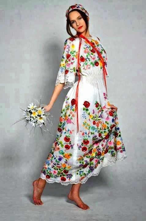 kimmariesembroidery:  A lovely Hungarian embroidered dress.  Check out the website http://emf-kryon.blogspot.com/ for even more great Hungarian embroidery and other crafts.
