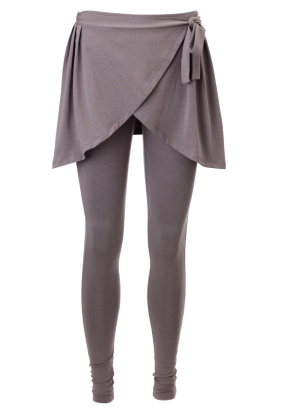 Skirted Leggings | These have such a ballerina feel to them! I'm in love!