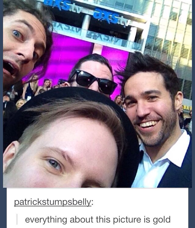 Joe's face and Andy just kind of peeking over Patrick's head are my favorite things about this.>> *white girl dialect* same