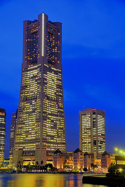 Yokohama Landmark tower by Jokin Sukuntza, via Flickr