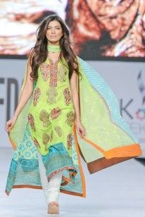 Rabia Butt Pakistani Fashion Model 004 I want this!!! How do I get ittttt??