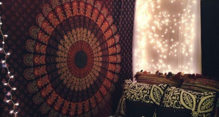 Really Awesome Dorm Room Wall Decor Ideas With Flannel Fabric