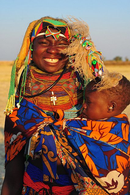Africa |  Mumuhuila mother and son, South West Angola | © Luca Gargano