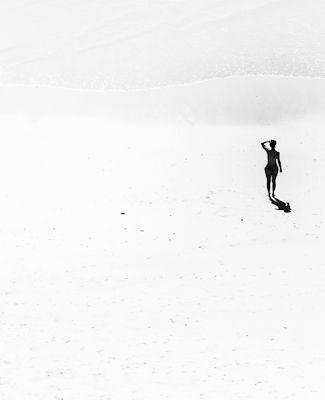 Susanne Kraft - Waiting, silhouette, black & white photo art, prints & posters