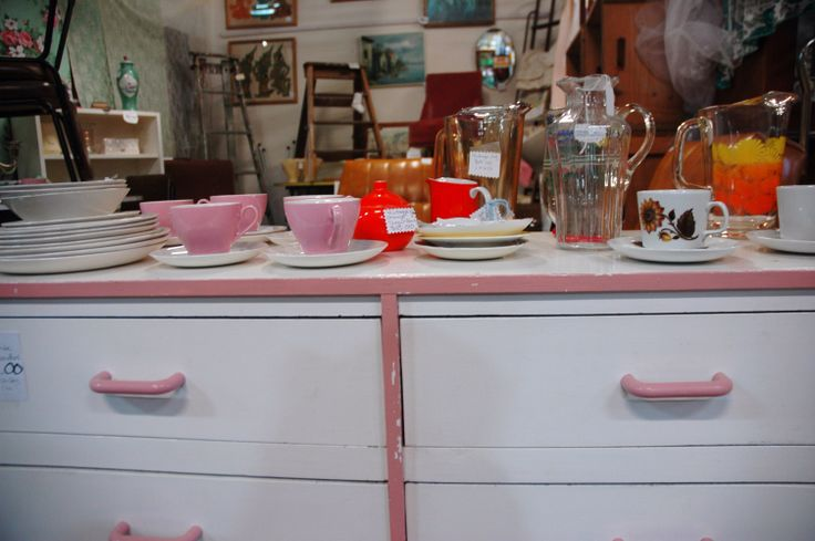 Pretty in pink. #drawers #retro #vintage #millmarkets www.millmarkets.com.au