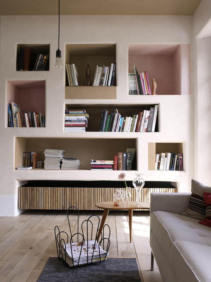Kijk eens met een frisse blik naar je huis. Waarom zou je de architect laten beslissen over het hele ontwerp? Creëer je eigen bijzondere vormen en begeef je met kleur buiten de gebaande paden. Kijk verder dan wat je ziet, laat je fantasie de vrije loop. Daag uit wat vanzelfsprekend is. Geniet van je herwonnen vrijheid. Kleurgebruik: Bakery Brown, Sweet Desire en Stylish Pink (collectie: Creations)