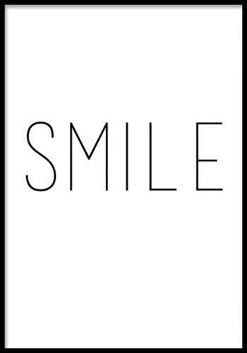 Texttavla med ordet SMILE.