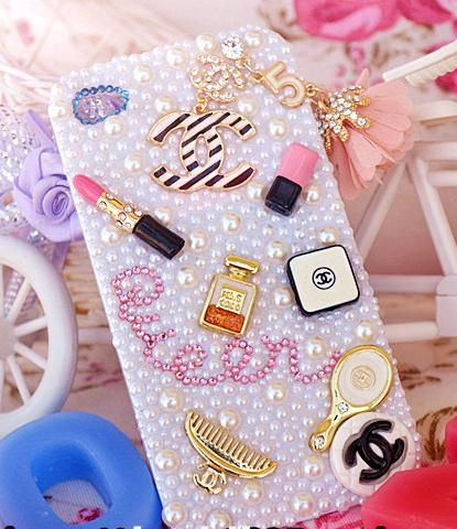 PEARL CHANEL WOMEN ACCESSORIES IPHONE 4S COVER WITH NO.5 TASSEL [CHANEL IPHONE COVER]